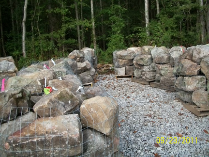 natural stone boulders retaining wall